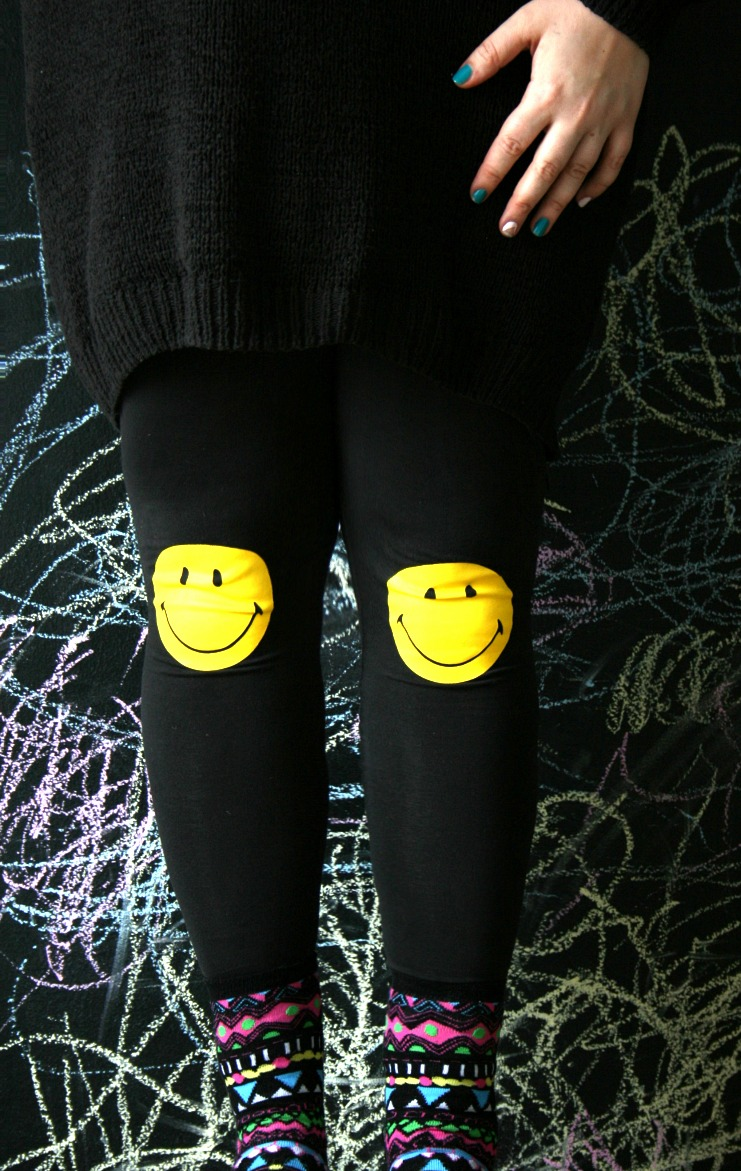 maanantai smile happy face leggings